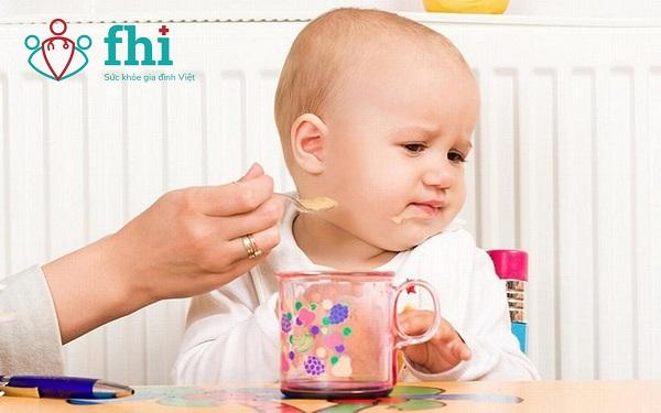 nguy cơ thiếu chất ở trẻ biếng ăn