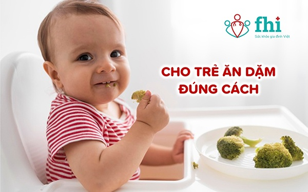 ăn dặm đúng cách để cải thiện tiêu chảy ở trẻ