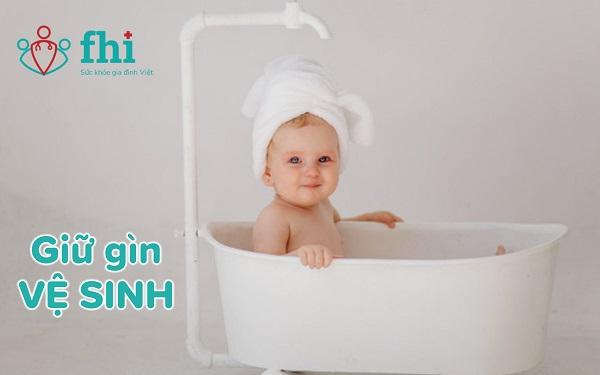 GIỮ vệ sinh cho trẻ